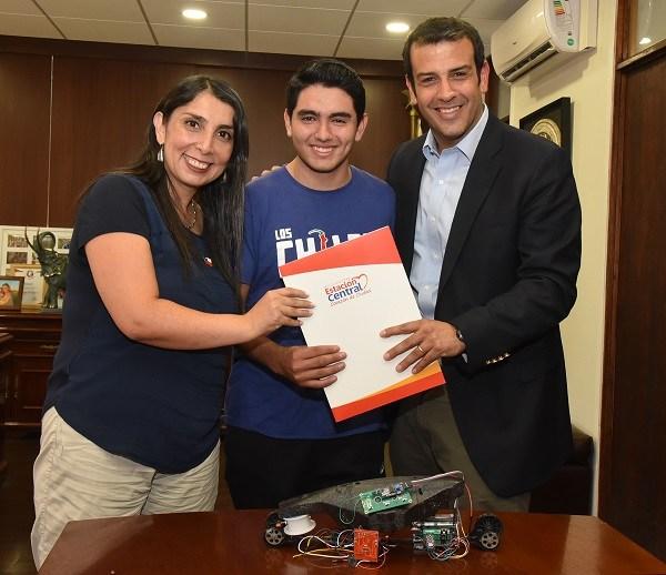 Joven nazareno representa a Chile en Campeonato Internacional de Robótica
